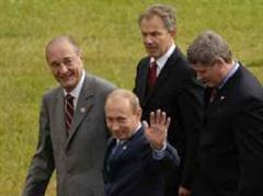 Vladimir Putin, Jacques Chirac, Tony Blair and Stephen Harper, der kanadische Premierminister, heute beim offiziellen Foto-Shooting.