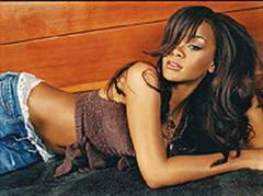 Rihanna wurde in Saint Michael als Tochter von Ronald und Monica Fenty geboren.