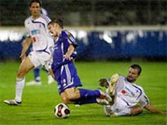 Wohlens Nemanja Cvetkovic foult Gossaus Marcel Zaugg.