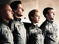 "Ioan Gruffudd, Jessica Alba, Chris Evans und Michael Chiklis als ""The Fantastic Four""."
