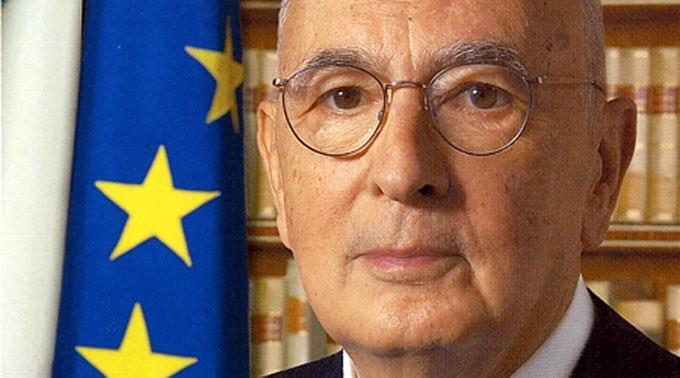 Napolitano ärgert sich über den Parteiskandal.