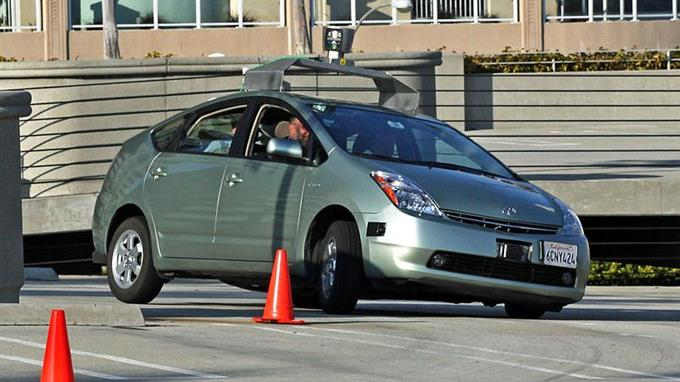 Fahrerloses Auto: Technik die Millionen Jobs bedrohen wird.