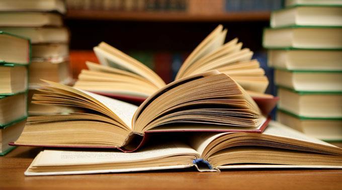 Weitere fünf Verlagsmitarbeiter werden wegen Bücherschmuggels festgehalten.