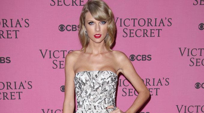 Teenie-Idol Taylor Swift bekommt ihr Fett weg.