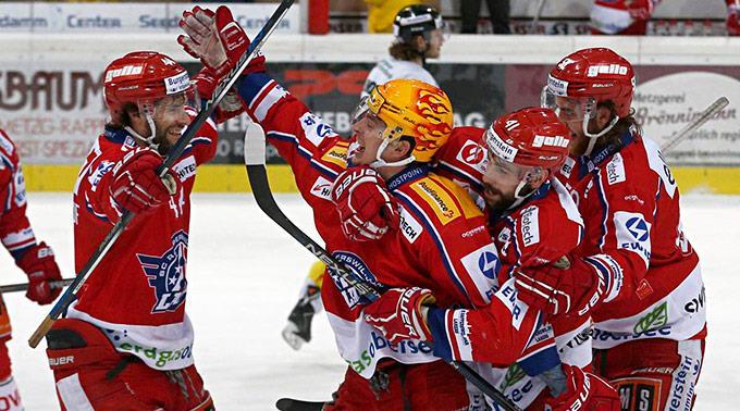 Rapperswil-Jona gewinnt 4:1 gegen Thurgau.